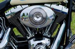 Gloeiend de motorblok van de chroommotorfiets Stock Foto