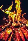 Gloeiende brand Stock Fotografie