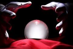 Gloeiende kristallen bol Stock Fotografie