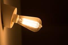 Gloeiende wolframlamp Royalty-vrije Stock Foto