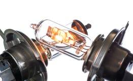 Gloeilamp voor ondergedompelde en hoofdstraalkoplampen met het branden van spiraal op een witte achtergrond royalty-vrije stock foto's