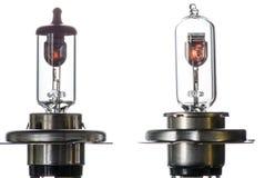 Gloeilamp voor ondergedompelde en hoofdstraalkoplampen met het branden van spiraal op een witte achtergrond stock foto