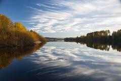 Glomma-Fluss lizenzfreie stockfotos
