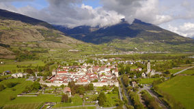 Glorenza en Val Venosta, Tyrol du sud d'en haut photo stock