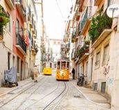 Gloria di Lisbona funicolare classificato come monumento nazionale aperto Fotografia Stock