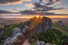 Gloria di tramonto della primavera fotografie stock