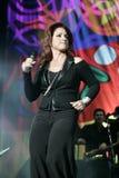 Gloria Estefan Performs de concert photo libre de droits
