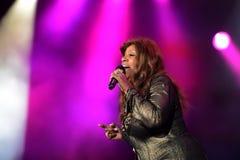 Gloria Gaynor som utför på utgångsfestivalen Royaltyfri Foto