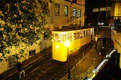 Gloria spårvagn på natten royaltyfri foto