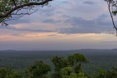 Glorierijke zonsondergang over het Land van Arnhem van het Mirray-Vooruitzicht, Kakadu-Park, Australië royalty-vrije stock fotografie