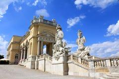 Gloriette在Schloss Schoenbrunn宫殿 免版税图库摄影