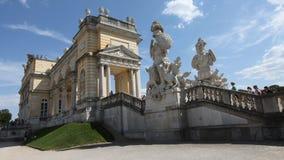 Gloriette i den Schonbrunn slottträdgården arkivfoton