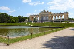 Gloriette no jardim do palácio de Schonbrunn Foto de Stock