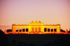 Gloriette Schonbrunn en Viena en la puesta del sol Foto de archivo