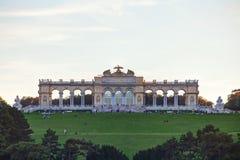 Gloriette Schonbrunn in Wenen bij zonsondergang Stock Foto's