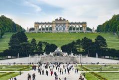 Glorietten i den Schoenbrunn slottträdgården royaltyfria bilder