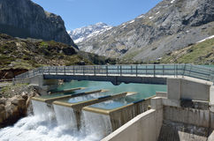 Gloriettes水坝在法国比利牛斯 免版税库存图片