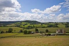 Gloucestershire-Landschaft unter der Cotswold-steilen Böschung nahe Dursley, Großbritannien Lizenzfreies Stockbild