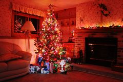 Glowing Christmas tree at night Royalty Free Stock Photography