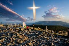 Free Glowing Cross . Walk To The Cross Stock Photos - 163132583