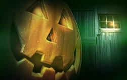 Glowing pumpkin at night Royalty Free Stock Photos