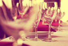 Gläser Wein vor der Partei Stockbild