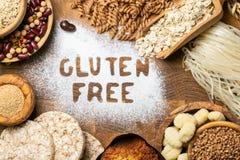Gluten diety bezpłatny pojęcie - wybór adra i węglowodany dla ludzi z gluten nietolerancyjnością obraz stock