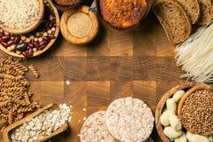 Gluten diety bezpłatny pojęcie - wybór adra i węglowodany dla ludzi z gluten nietolerancyjnością fotografia stock