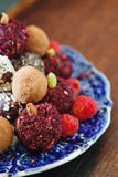 Gluten-fria rullar för rå godis för strikt vegetarian söt med fotografering för bildbyråer