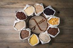 Gluten vrije graangewassen en zaden met embleem Stock Afbeelding