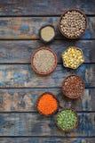 Glutenfreies Konzept Körner, Getreide und Samen für das Backen Quinoa, Mais, Kichererbse, Amarant, Linsen Gesunde Nahrung Beschne stockbilder