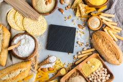 Glutenu bezpłatny jedzenie i mąka, migdał, kukurudza, ryż, chickpea obrazy royalty free