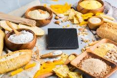 Glutenu bezpłatny jedzenie i mąka, migdał, kukurudza, ryż, chickpea obrazy stock