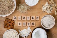 Glutenu bezpłatny pojęcie - wybór alternatywne mąki i składniki zdjęcie royalty free