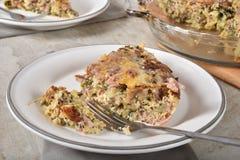 Glutenu bezpłatny quiche z brakującym kąskiem zdjęcie stock