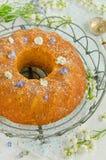 Glutenu cornmeal pomarańcze bezpłatny tort fotografia stock