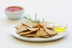 Glutenu oliwa z oliwek bezpłatni rozmarynowi krakers Zdjęcia Stock