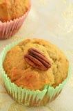 Glutenu pecan bezpłatni bananowi muffins Zdjęcia Royalty Free