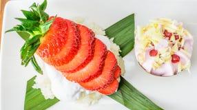 Glutineuze rijst met aardbeien Royalty-vrije Stock Foto