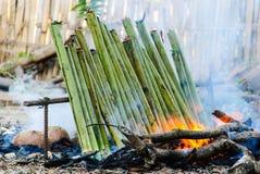 Glutinous рис зажаренный в духовке в bamboo соединениях Стоковое Изображение RF