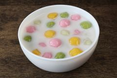 Glutinous шарики риса в молоке кокоса стоковые изображения rf