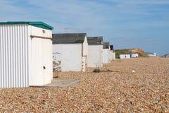 Glyne Gap setzen Hütten, Ost-Sussex auf den Strand Lizenzfreie Stockbilder