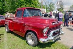 GMC模型101 1/2吨郊区卡车 免版税库存照片