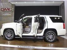 GMC 2015 el Yukón XL Denali SUV en el salón del automóvil 2014 del International de Nueva York Imagen de archivo