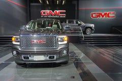 GMC-vrachtwagens op vertoning op vertoning Stock Afbeelding