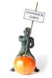 GMO-Konzeptgefahrenzahl eines Mannes Stockbild