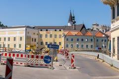 GMUNDEN, AUSTRIA Lipiec 21, 2017: Plac budowy most G Obrazy Royalty Free