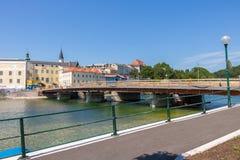 GMUNDEN, AUSTRIA Lipiec 21, 2017: Plac budowy most G Obrazy Stock