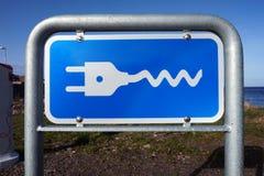 Gniazdko wtyczkowe znak dla elektrycznych samochodów Fotografia Royalty Free