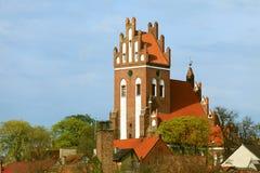 Gniew stad med den teutonic slotten på den Wierzyca floden, Polen Arkivfoton